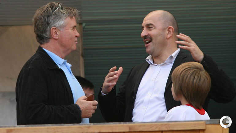 27 августа 2006 года. Станислав ЧЕРЧЕСОВ (справа) и Гус ХИДДИНК.