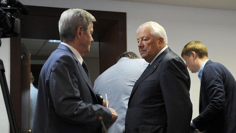 Виталий СМИРНОВ (справа) и Владимир ВАСИН. Фото Алексей ИВАНОВ, «СЭ»