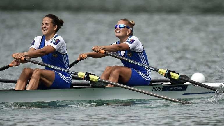 Анастасия ЯНИНА и Алена ШАТАГИНА. Фото AFP