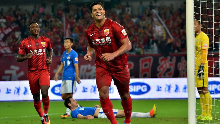 ХАЛК только переехал в Китай, как сразу же выбыл на долгий срок. Фото AFP