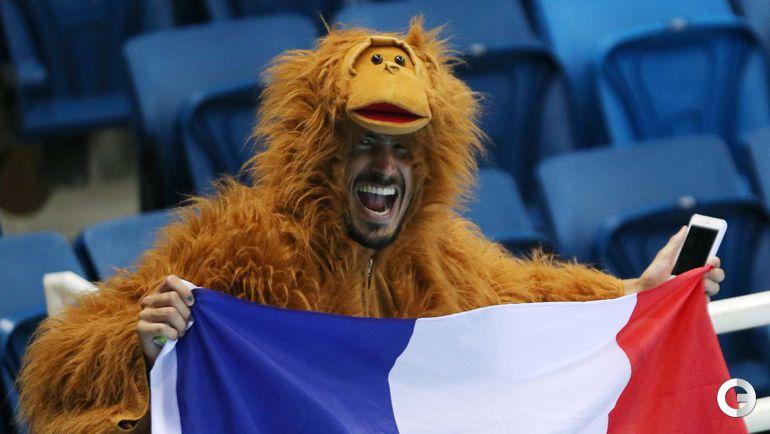 Воскресенье. Рио-де-Жанейро. Болельщик сборной Франции.