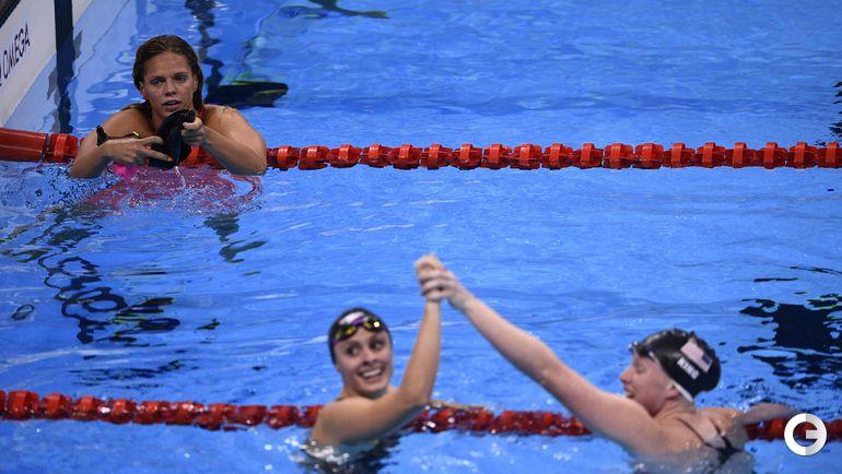 Сегодня. Рио-де-Жанейро. Женщины. 100 м брасс. Финал. Юлия ЕФИМОВА(слева). Фото AFP
