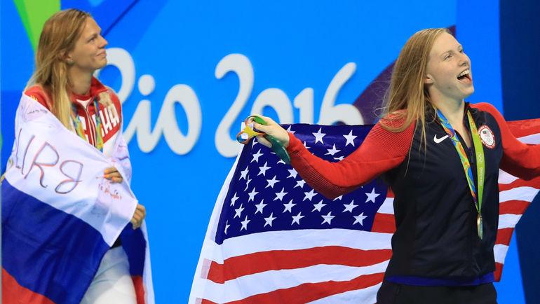 Юлия ЕФИМОВА (слева) и Лилли КИНГ. Фото REUTERS