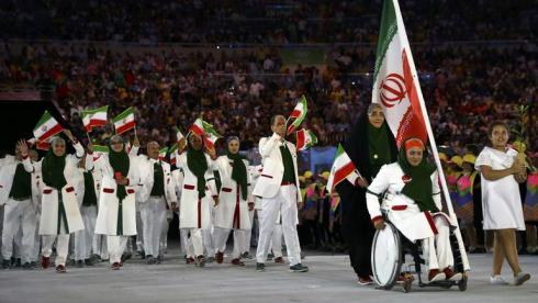 В Рио Немати выступила и в роли знаменосца сборной Ирана. Фото Reuters
