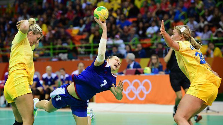 Дарья ДМИТРИЕВА в игре против шведок. Фото AFP
