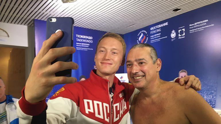 Сегодня. Рио-де-Жанейро. Ильгар МАМЕДОВ (справа) с новой прической. Фото Дмитрий СИМОНОВ, «СЭ»