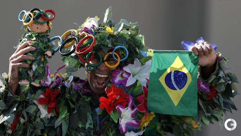 Воскресенье. Рио-де-Жанейро. Болельщик сборной Бразилии.