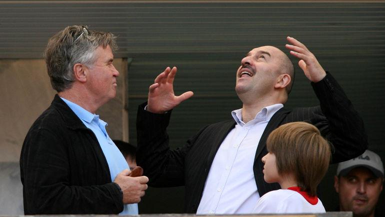 Гус ХИДДИНК и Станислав ЧЕРЧЕСОВ. Фото Алексей ИВАНОВ, «СЭ»