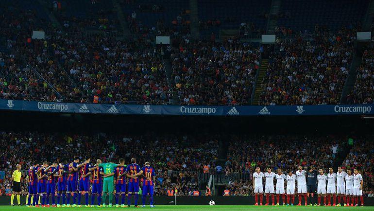 "Среда. Барселона. ""Барселона"" - ""Севилья"" - 3:0. Стадион ""Камп Ноу"" собрал почти 72 000 зрителей, несмотря на позднее начало матча. Фото AFP"