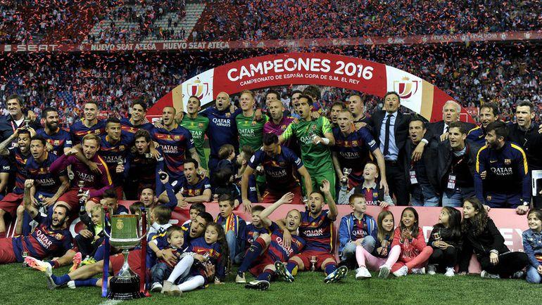 """22 мая. Мадрид. """"Барселона"""" празднует победу в Кубке Испании. Фото AFP"""
