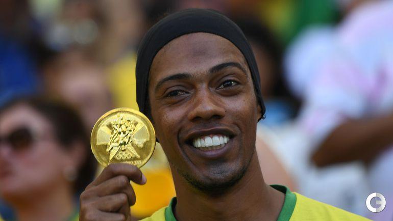 Среда. Рио-де-Жанейро. Болельщик сборной Бразилии.