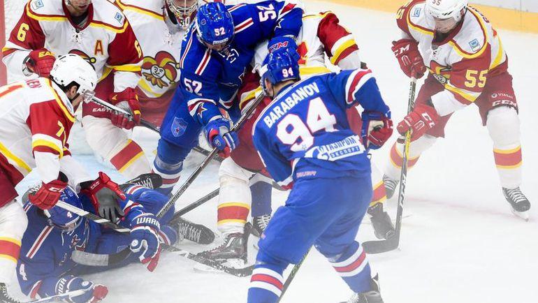 """Сегодня. Санкт-Петербург. СКА - """"Йокерит"""" - 3:6. Питерцы атакуют ворота соперника. Фото ХК СКА"""