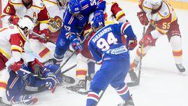 """Сегодня. Санкт-Петербург. СКА - """"Йокерит"""" - 3:6. Питерцы атакуют ворота соперника."""