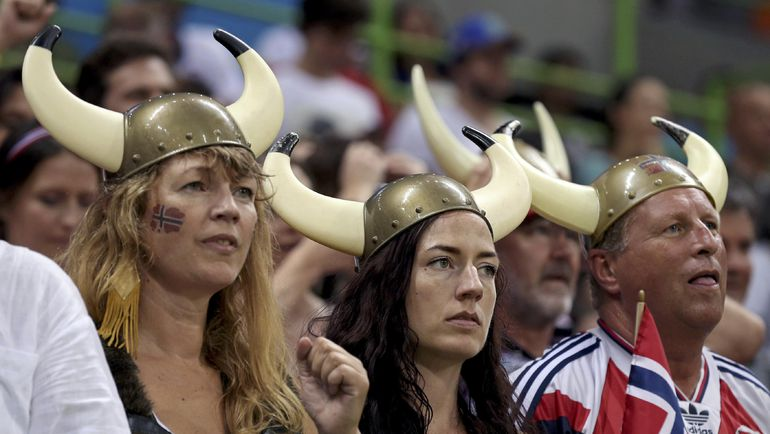Сегодня. Рио-де-Жанейро. Обескураженные норвежцы. Фото REUTERS