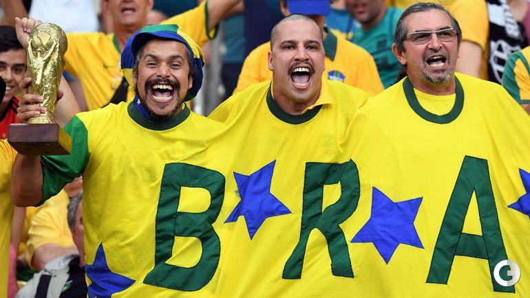 Суббота. Рио-де-Жанейро. Болельщики сборной Бразилии.