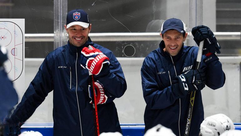 Павел ДАЦЮК (справа) и Илья КОВАЛЬЧУК - старые и новые лица КХЛ. Фото ХК СКА/SKA.RU