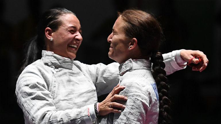 Яна ЕГОРЯН и Софья ВЕЛИКАЯ. Фото AFP