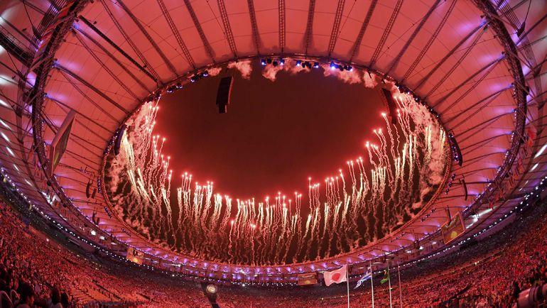 "Воскресенье. Рио-де-Жанейро. Церемония закрытия Олимпиаде на стадионе ""Маракана"". Фото REUTERS"