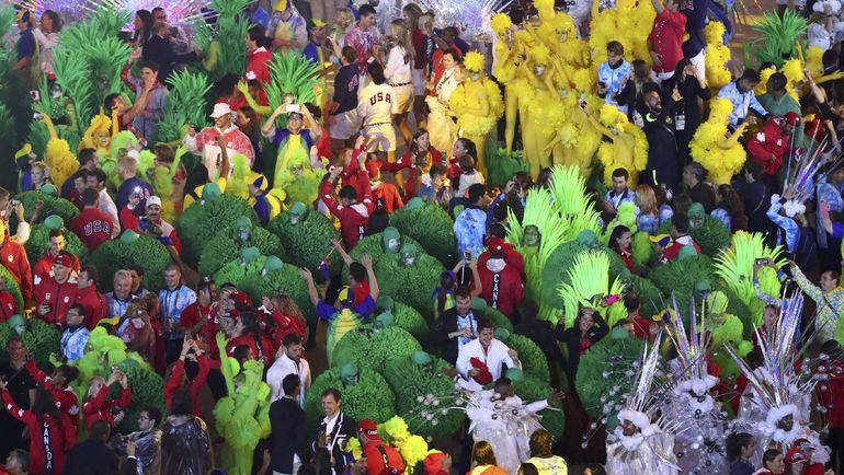 А в итоге, как и все в Бразилии, церемония закончилась карнавалом. Фото REUTERS