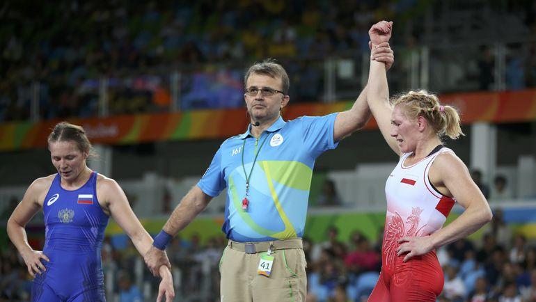 Инна ТРАЖУКОВА (слева) и Моника МИХАЛЕК. Фото REUTERS