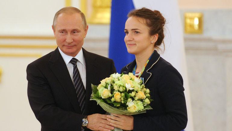 """Владимир ПУТИН и Анна ВЯХИРЕВА. Фото Алексей ИВАНОВ, """"СЭ"""""""