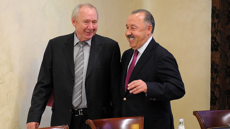 """Олег РОМАНЦЕВ (слева) и Валерий ГАЗЗАЕВ. Фото Алексей ИВАНОВ, """"СЭ"""""""
