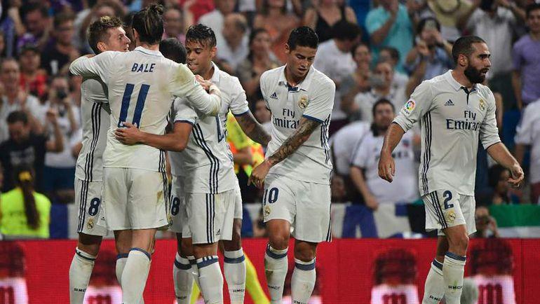 """Суббота. Мадрид. """"Реал"""" - """"Сельта"""" - 2:1. Хозяева поздравляют Тони КРООСА с забитым мячом. Фото AFP"""