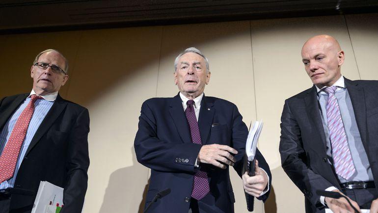 Доклады Ричарда ПАУНДА (в центре) и Ричарда МАКЛАРЕНА (слева) едва не оставили Россию без Олимпиады-2016. И лишили Паралимпиады. Фото AFP