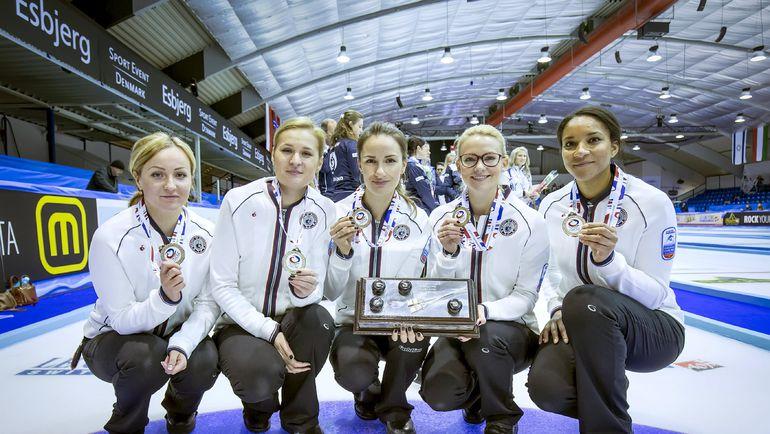 Женская сборная России по керлингу. Фото AFP