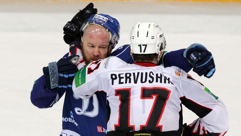 Владимир ПЕРВУШИН (справа). Фото Алексей БЕЗЗУБОВ, photo.khl.ru