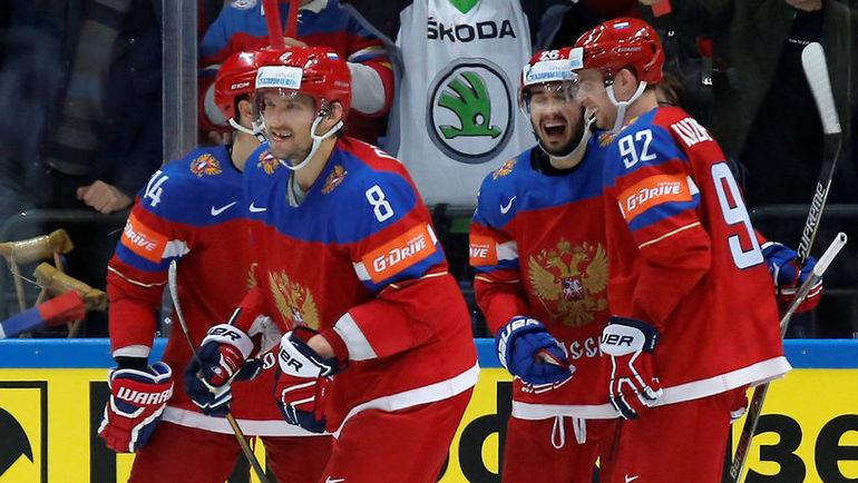 В какое звено Олег ЗНАРОК поставит Александра ОВЕЧКИНА? Фото REUTERS