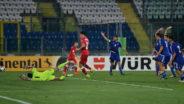 Рамиль ШЕЙДАЕВ в дебютном матче за Азербайджан. Фото sportal.az