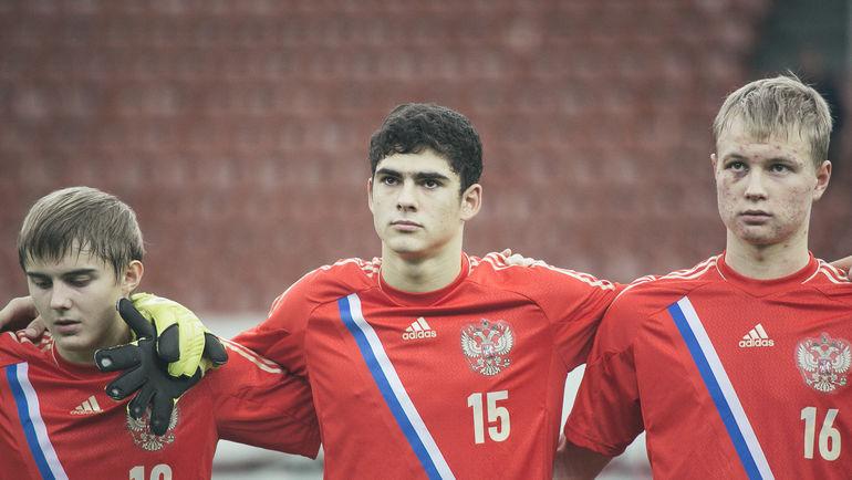 Рамиль ШЕЙДАЕВ (№15) в составе юношеской сборной России. Фото Виталий ТИМКИВ