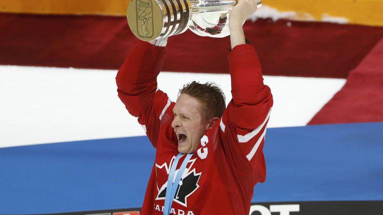 Кори ПЕРРИ был капитаном сборной Канады на ЧМ-2016 в Москве. Фото REUTERS