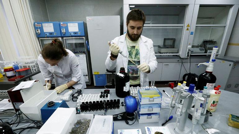 Сотрудники антидопинговой лаборатории в Москве. Фото REUTERS