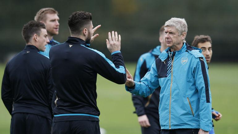 """Арсен ВЕНГЕР проводит очередную тренировку """"Арсенала"""". Фото REUTERS"""