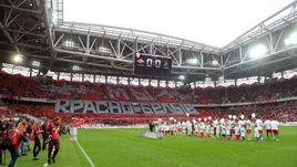 """В выходные Москва пошла на футбол: вчера - на """"Открытие Арене""""..."""