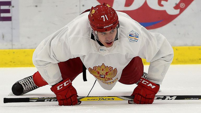 Евгений МАЛКИН на тренировке сборной России в Питтсбурге. Фото ФХР