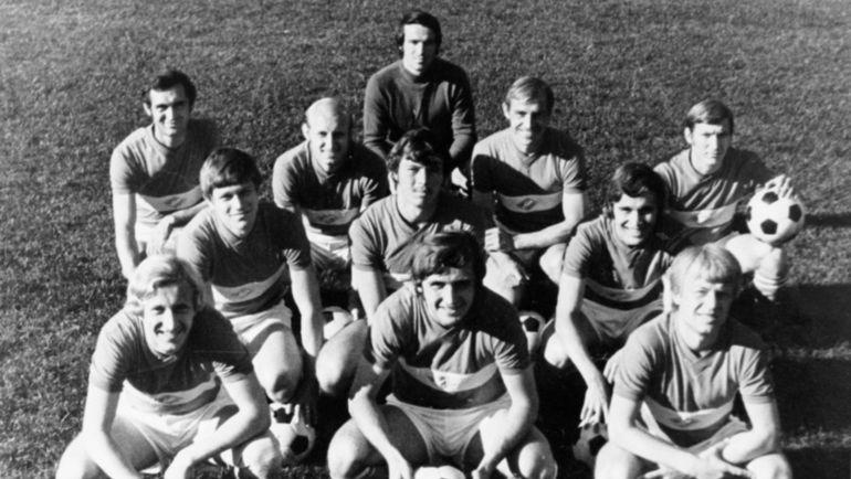 Михаил БУЛГАКОВ (1-й ряд, крайний справа). Фото Фото из архива Александра ПИСКАРЕВА.