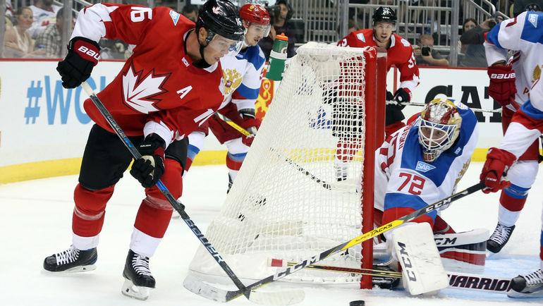 Среда. Питтсбург. Канада - Россия - 3:2 ОТ. В атаке Джонатан ТЭЙВЗ. Фото REUTERS