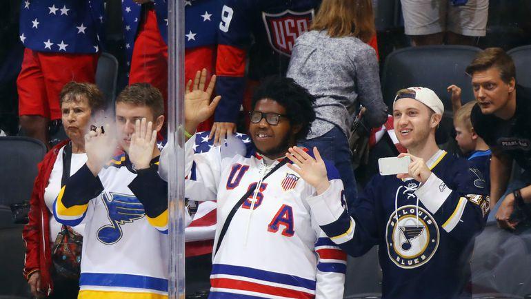 Болельщики сборной США перед матчем против сборной Европы. Фото AFP