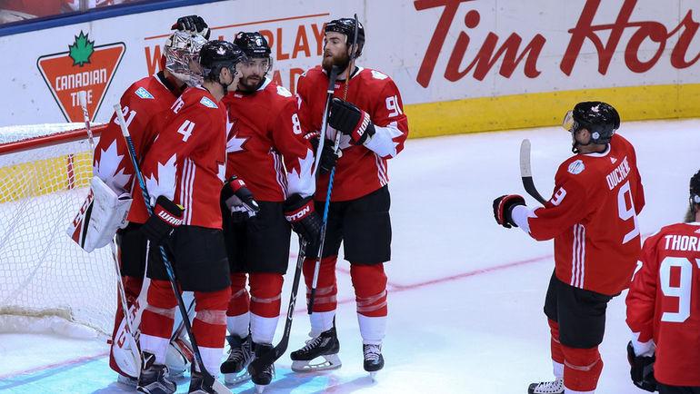 Суббота. Торонто. Канада - Чехия - 6:0. Сборная Канады празднует победу. Фото USA TODAY Sports
