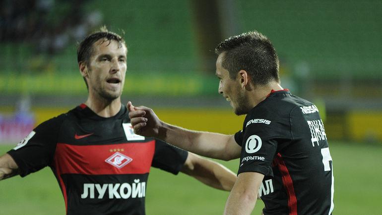 Дмитрий КОМБАРОВ (слева) и Джано АНАНИДЗЕ. Фото Сергей РАСУЛОВ/ NewsTeam