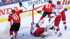 Суббота. Торонто. Канада - Россия - 5:3. Сидни КРОСБИ (№87) забрасывает первую шайбу в ворота россиян.