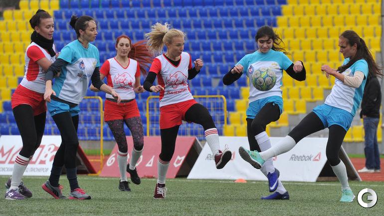 это женские команды по футболу в москве это специальная одежда