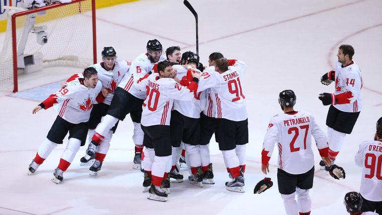 Четверг. Торонто. Европа - Канада - 1:2. Канадцы празднуют победу в турнире. Фото USA Today
