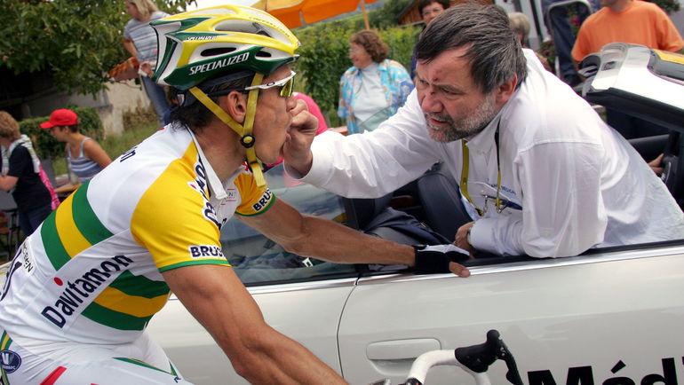 Кодеин - спутник велосипедного спорта. Фото AFP