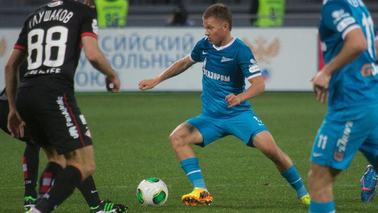 Олег ШАТОВ (с мячом). Фото Кристина КОРОВНИКОВА