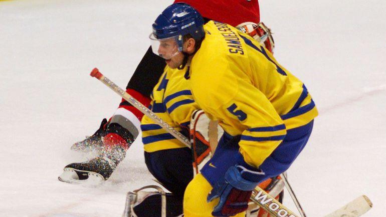 Ульф САМУЭЛЬССОН в матче за сборную Швеции на Олимпиаде-1998. Фото REUTERS