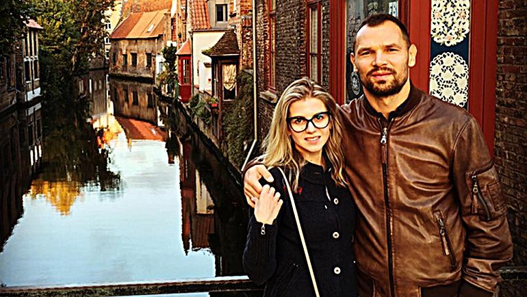 Сергей ИГНАШЕВИЧ с женой в Брюгге. Фото instagram.com/natashevich/